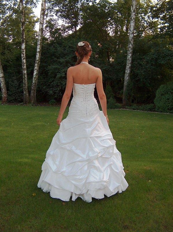 śnieżno Biała Suknia ślubna Z Podpinanym Trenem Suknie ślubne