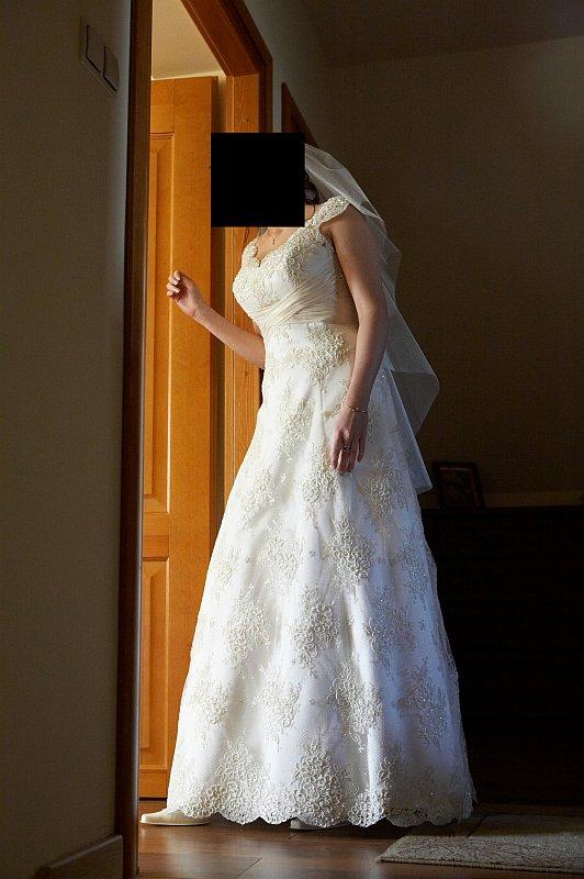 b5e542f2ac Suknia Ślubna Koronkowa - NABLA    suknie ślubne - sprzedaż    Komis ...