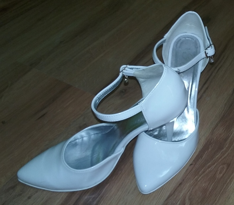 Buty ślubne R 38 Białe Szpilki Lakierek Firma Paula Buty