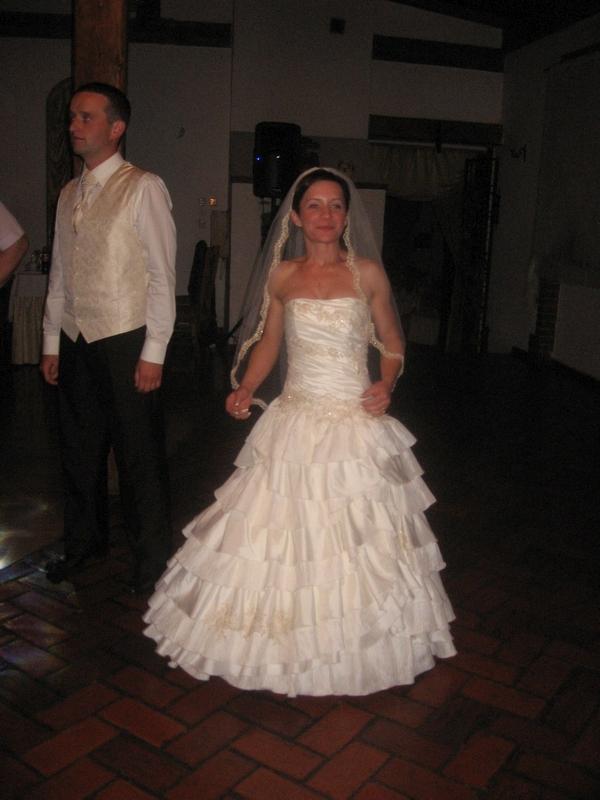 Suknia ślubna Typu Hiszpańskiego Ecru 3638 Na 150cm Wzrostu