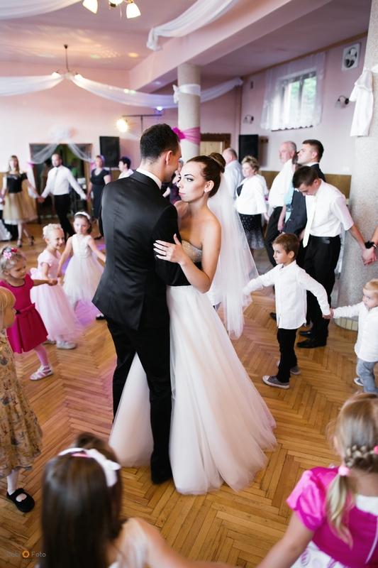 acbda473 suknia ślubna IVORY Madonna :: suknie ślubne - sprzedaż :: Komis ślubny