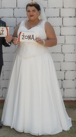 789990fc8e Przepiękna suknia ślubna dla puszystej Ideo Design    suknie ślubne ...