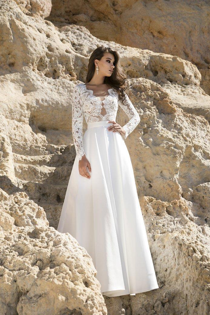 f9e7947a7010 Cudowna kolekcja sukni ślubnych od Agnieszki Światły na rok 2018
