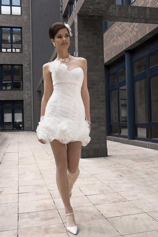 Suknie ślubne Avenue 2011
